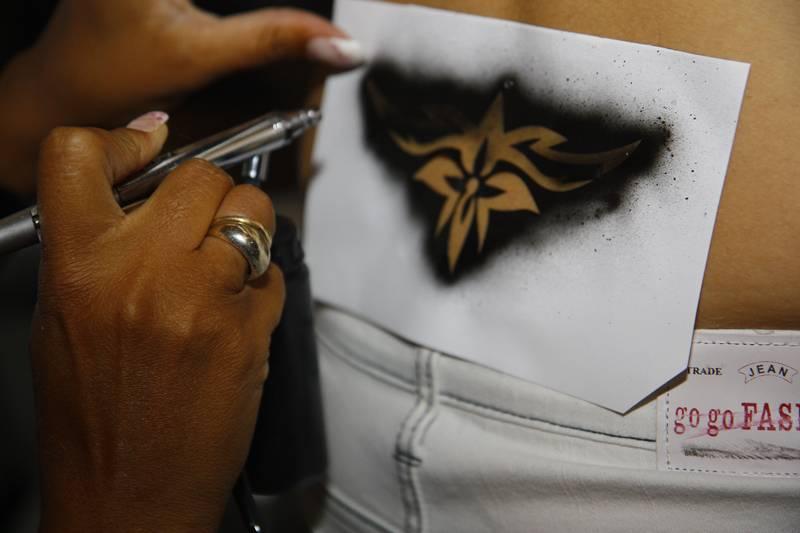 Prestation de tatouages éphémères