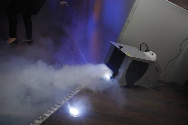 fumée lourde avec produit à fumée