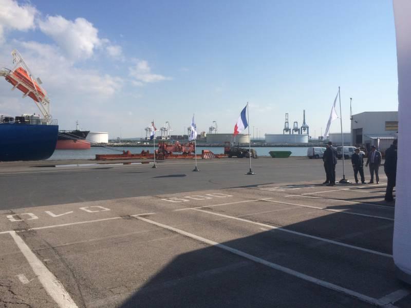 location de mât pour drapeaux